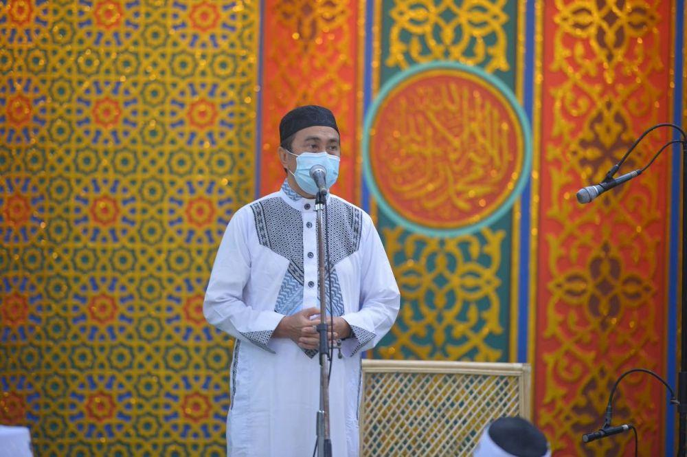 Tarawih Perdana di Mesjid An-Nur,Gubri Ingatkan Jamaah Protokol Kesehatan