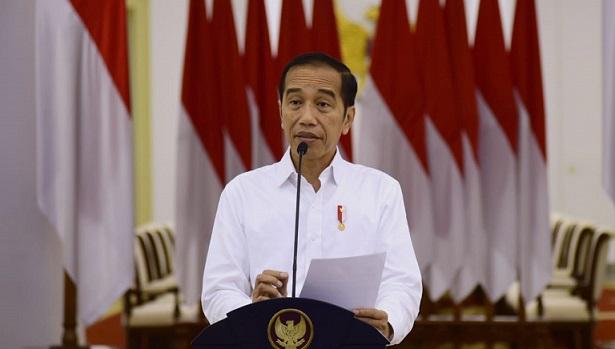 Jokowi Sebut UMP Tak Dihapus di UU Ciptaker, Buruh: Faktanya Iya