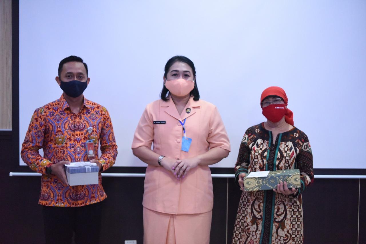 Ny.Irenne Ronny Moningka Lepas Purna Tugas SD Angkasa Lanud Roesmin Nurjadin