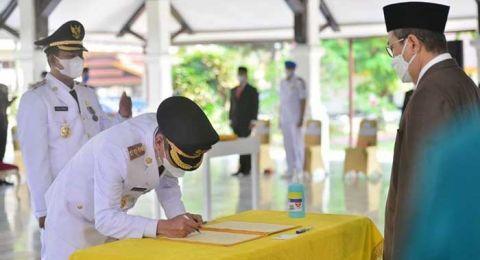 Bupati dan Wakil Bupati Rohil Terpilih Masa Jabatan 2021-2026 Resmi di Lantik Gubernur Riau