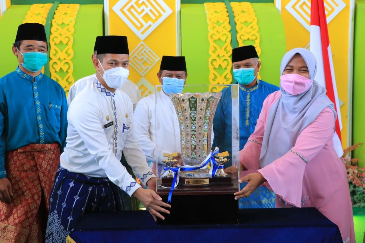 Kecamatan Tenayan Raya Juara Umum MTQ ke-53