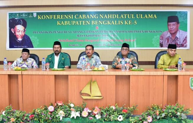 Asisten-Administrasi-Umum-Setda-Bengkalis-H-Tengku-Zainuddin-Membuka-Acara-Konferensi Cabang-(NU)-Ka