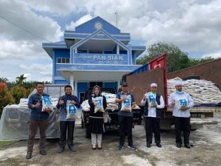 PAN Berbagi di Tengah Pandemi Covid 19, 28 Ton Beras Disebar ke Seluruh Kecamatan di Siak