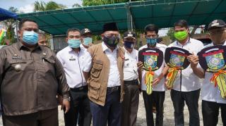 Bupati Kampar Serahkan 3 Unit Ambulance, Pelayanan Kesehatan Program Prioritas Kampar