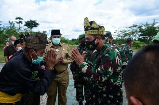 Danrem 031/WB Dampingi Kasdam 1/BB Kunker ke Tiga Daerah di Riau