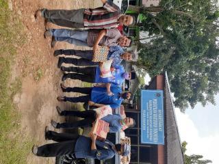 Partai Demokrat Fedrios Gusni, Bagikan Sembako Kepada Insan Pers Di Kuansing.