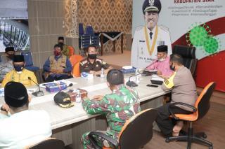 Sekda Siak Jamaluddin bersama Unsur Forkopimda Sampaikan Perkembangan Covid  19 Kepada Gubernur Riau