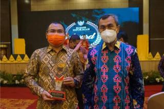 Membanggakan, Ketiga Kalinya Unilak Raih Anugerah KI Award