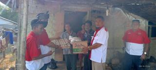 DPD PWRI Riau Bersama DPC PWRI Rohil Beri Bantuan Kepada Warga Yang Membutuhkan