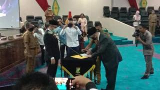 Dihadiri Bupati Catur Sugeng Susanto,Anotona Nazara Resmi Dilantik Jadi Anggota DPRD Kampar