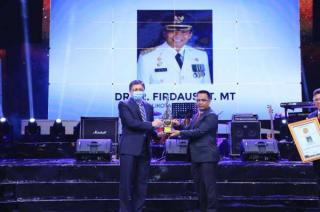 Walikota Pekanbaru Raih Penghargaan IPBA XV Tahun 2020