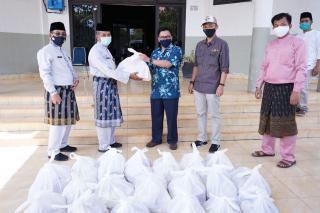 Peduli Covid 19 Karyawan PT BOB Salurkan Bantuan Ke Pemda Siak