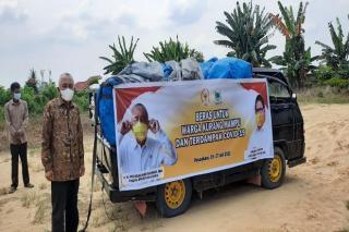Tekan Permainan Tengkulak di Siak, Mantan Guberbur Riau Borong 3 Ton Beras Petani