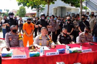 Kunjungi TKP Pengungkapan Sabu 24 KG, Kapolda Riau Ajak Warga Perangi Narkoba.