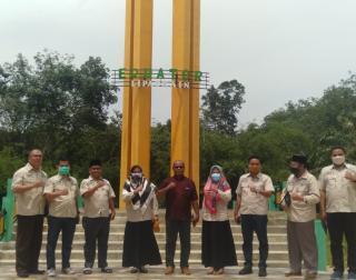 DPRD Kampar Kunjungi Tugu Khatulistiwa dan Makam Syech Burhanudin