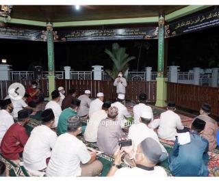 Bupati HM.Wardan Imami Shalat Tarawih Malam Ke-16 Ramadhan 1442 H.