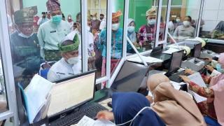 Di Launching Bupati H.M Adil, Mulai Hari Ini Masyarakat Meranti Berobat Gratis Cukup Gunakan KTP