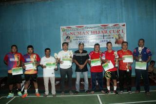 Turnamen Bulu Tangkis H. Suman Hizar Cup Usai, Pasangan Muda Raih Juara