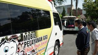Pertama Di Sumatra Bupati Kampar Louching Mobil Operasional Dokter Gigi Keliling.