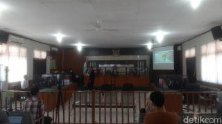 Terbukti Korupsi Rp 1,8 Miliar, Eks Sekda Riau Divonis 3 Tahun Bui