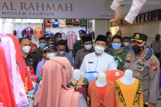 Wali Kota Pekanbaru Tinjau Penerapan Prokes di STC dan MP