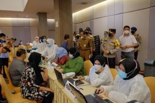 Gelar Vaksin Massal, Kapolda Riau: Kita Dukung Penuh Program Strategis Nasional Vaksin Covid-19