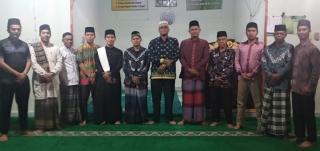 Maulid Nabi Di Masjid Baitul Akbar, 5 Hafizah Binaan Rumah Tahfidz Al-Huda Dapat Sertifikat.