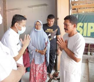 Gubri Berikan Santunan Keluarga Anggota TNI Yang Gugur di Poso
